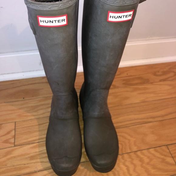 a35fb7121255 Hunter Shoes   Green Boots   Poshmark